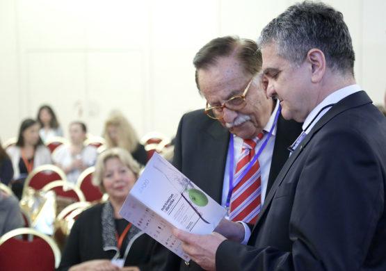 Doajen nutricionizma dr.sc. Ignac Kulier istaknuo je brojne prednosti konzumacije mahunarki, budući da je FAO proglasio 2016.godinu godinom mahunarki. Na slici s prof. dr.sc. Željkom Krznarićem, predsjednikom Hrvatskog liječničkog zbora